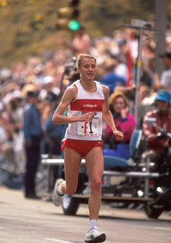 Grete beim New York-Marathon 1990. © www.PhotoRun.net
