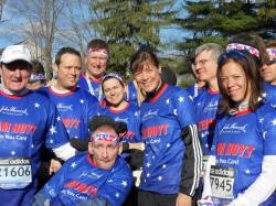 Die Läufer der Hoyt Foundation an der Startlinie einige Stunden vor dem Boston-Marathon. © Von Team Hoyt/Todd Civin zur Verfügung gestellt