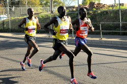 Sammy Kitwara, Dennis Kimetto und Emmanuel Mutai. ©Bank of America Chicago Marathon