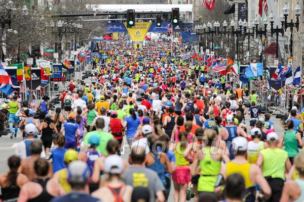 14.000 Frauen auf den Spuren zweier Pionierinnen des Boston-Marathons