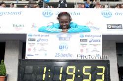 Bei den Big 25 Berlin unterbietet Mary als erste Frau die 1:20-Stunden-Marke über 25 km. ©www.photorun.net