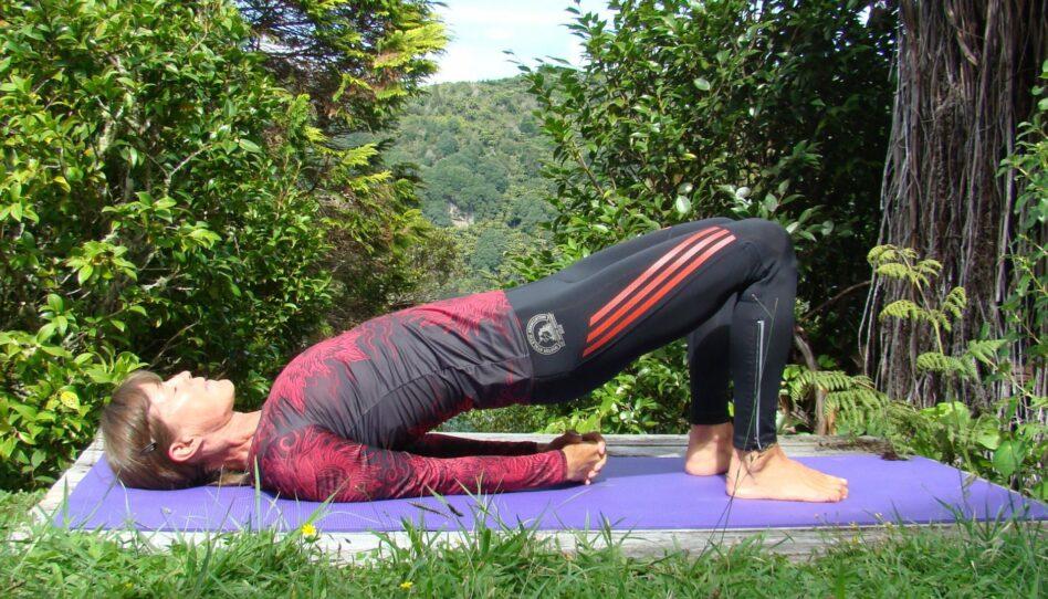 Grüβe von Uta: Yoga-Pose der Woche – 11. Die Brücken-Pose