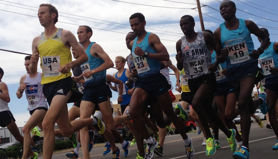 Tausende Läufer feiern den BolderBOULDER 10-km-Lauf