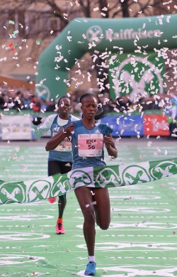Janet Kisa closed out 2014 with a victory in South Tyrol. ©Daniele Mosna