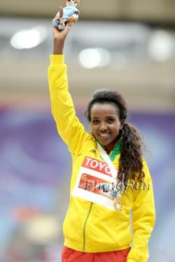 Die Olympiasiegerin Tirunesh Dibaba, hier zu sehen bei der WM 2013, beginnt in London mit ihrer Marathon-Karriere. ©www.PhotoRun.net