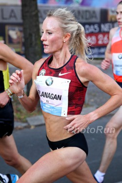 Shalane Flanagan placed third with a new PR. © www.PhotoRun.net