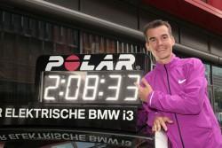 Arne mit seiner deutschen Marathon-Rekordzeit. ©www.PhotoRun.net