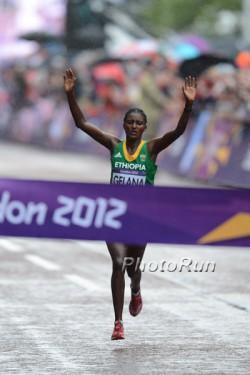 Tiki Gelana gewinnt olympisches Gold. ©www.PhotoRun.net