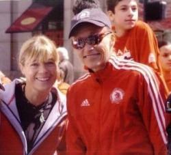 Uta und Grete Waitz beim Boston-Marathon 2005. ©Jim Davis