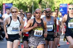 Ryan Hall und Meb Keflezighi beim Healthy Kidney 10-km-Lauf 2012. ©www.PhotoRun.net