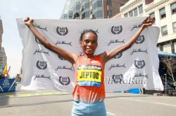 Rita Jeptoo, hier zu sehen beim Boston-Marathon, war die schnellste Marathonläuferin des Jahres. ©www.PhotoRun.net