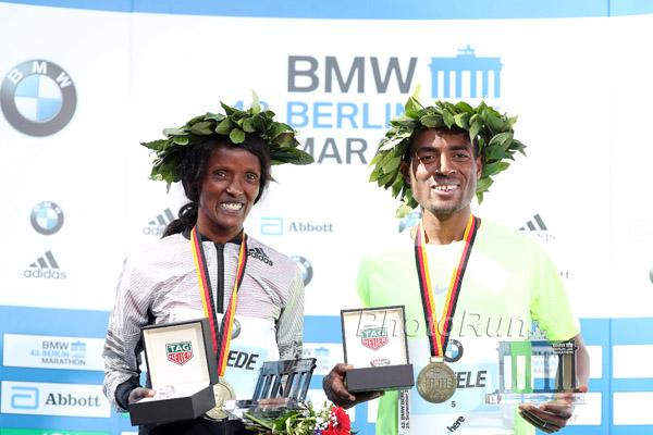Kenenisa Bekele gewinnt in Berlin mit der Jahresweltbestzeit von 2:03:03 Stunden
