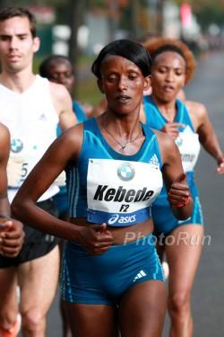 Aberu Kebede war im Frauenrennen souverän. ©www.PhotoRun.net