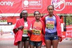 Mary Keitany, Tigist Tufa und Tirfi Tsegaye. ©www.PhotoRun.net