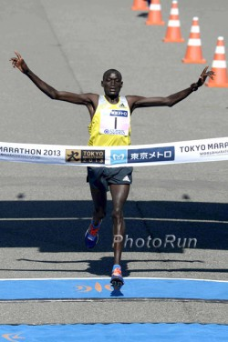 Dennis Kimetto, seen here at the 2013 Tokyo Marathon, aims for victory in Boston after winning in Tokyo and Chicago. ©www.PhotoRun.net