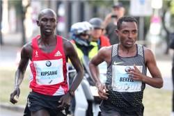 Kenenisa Bekele und Wilson Kipsang lieferten sich einen spannenden Zweikampf. ©www.PhotoRun.net