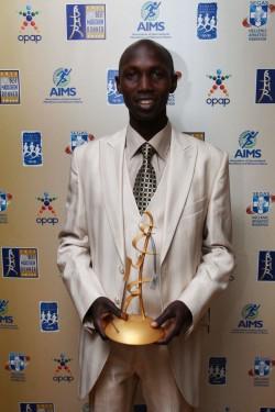 Wilson bei der Ehrung zum AIMS Best Marathon Runner of the Year in Athen. ©ACM/Marathon Photo