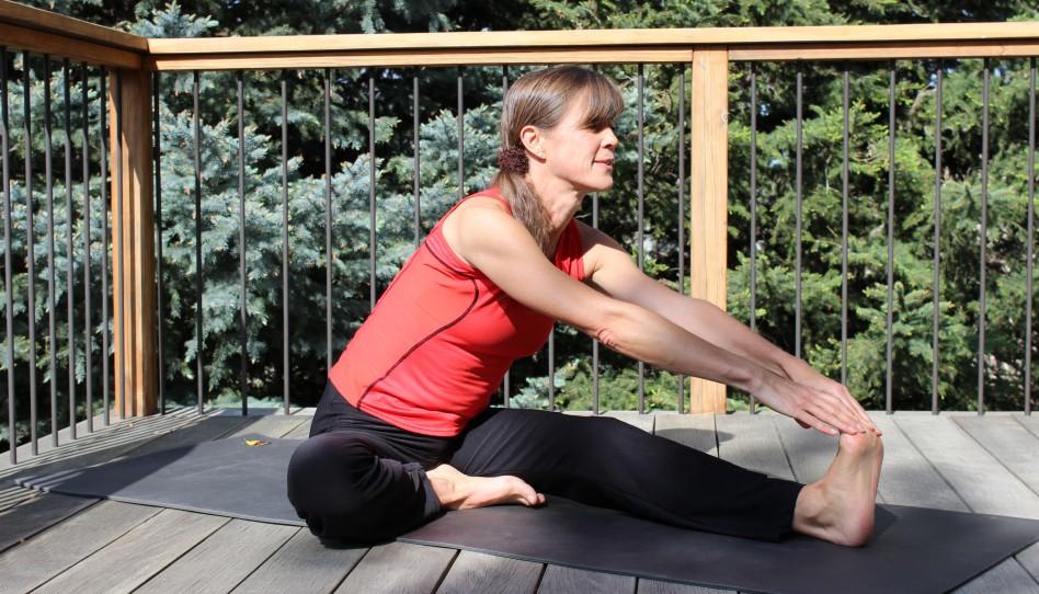 Grüβe von Uta: Yoga-Pose der Woche – 12. Kopf-zum-Knie-Pose