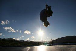 Ein Junge auf dem Trampolin. ©Betty Shepherd