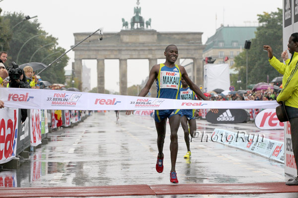 Patrick Makau läuft in Berlin ,Regen-Rekord' in 2:05:08 Stunden