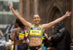 Die freudestrahlende britische Siebenkampf-Weltmeisterin von 2009, Jessica Ennis, lief über 150Meter auf den zweiten Rang. ©GreatCityGames/Pete Langdown