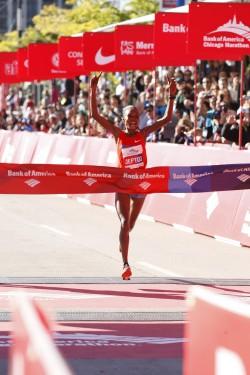 Rita Jeptoo läuft eine Jahresweltbestzeit. ©Bank of America Chicago Marathon