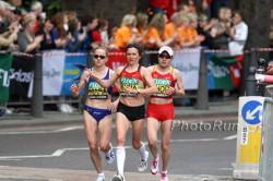 Irina Mikitenko, hier zu sehen in der Mitte 2009 beim London-Marathon, hielt sich beachtlich. ©www.photorun.net