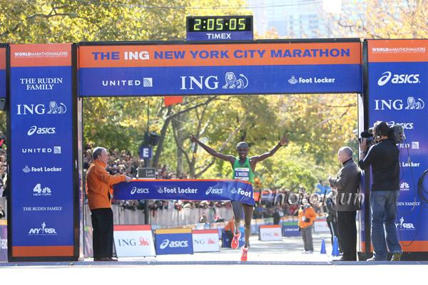 Geoffrey Mutai gewinnt mit Streckenrekordzeit in New York