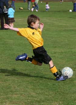 Spielend lernen, die Welt zu verstehen: 205 Schulen suchen ihren Fußball-Weltmeister