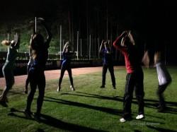 Gemeinsames Jugendtraining nach Sonnenuntergang bei meinem Heimatklub im Herbst 2014. ©Gerald Angerer