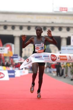 Henry Sugut startet erneut in Wien, wo er 2012 einen Streckenrekord aufstellte. ©www.PhotoRun.net
