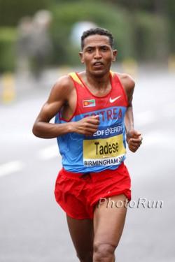 Zersenay Tadese, hier zu sehen bei den Halbmarathon-Weltmeisterschaften 2009, war in Madrid der schnellste von rund 35.000 Läufern. ©www.photorun.net
