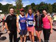 Uta zusammen mit Freunden von der Hoyt Foundation. Yes You Can! ...Louisa May Alcotts Orchard House 5-/10-km-Lauf und 5-km-Walk 2013. © Von Jennifer Famiglietti zur Verfügung gestellt