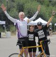 Bill Walton, Uta und Arn Menconi beim SOS Outreach Colorado-Eagle River Ride 2013. © Take The Magic Step