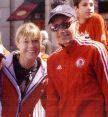 Uta und Grete Waitz beim Kids Run des Boston-Marathons 2005. © Jim Davis